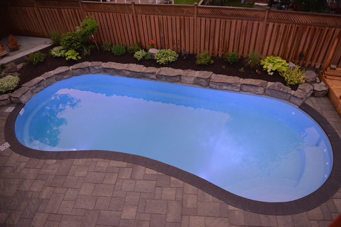 Birds eye view of a beautiful fiberglass swimming pool in Barrie, Ontario