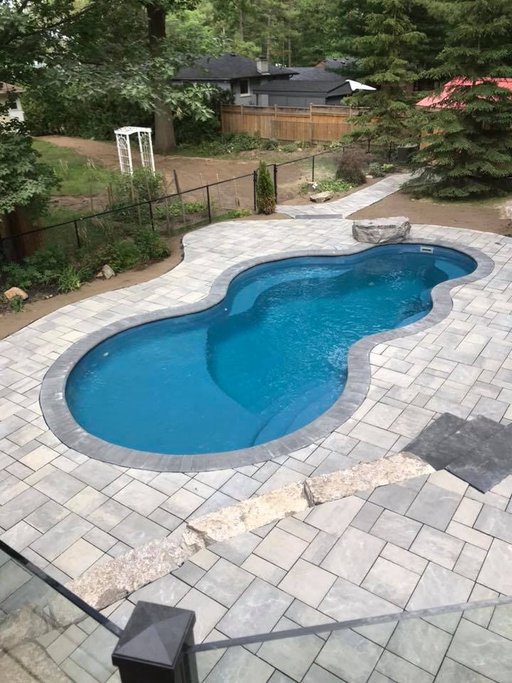 Birds eye view of a fiberglass pool